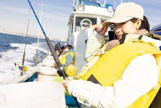 ライフジャケットで釣りを安全に楽しむ!種類や桜マークの解説、おすすめ商品を総まとめ