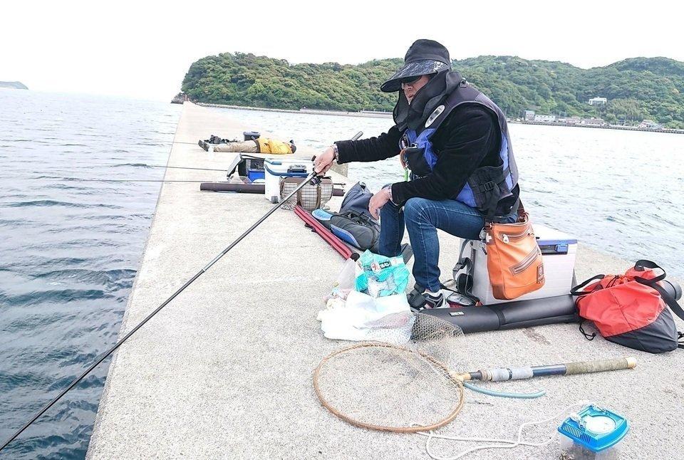 男性 釣り 写真