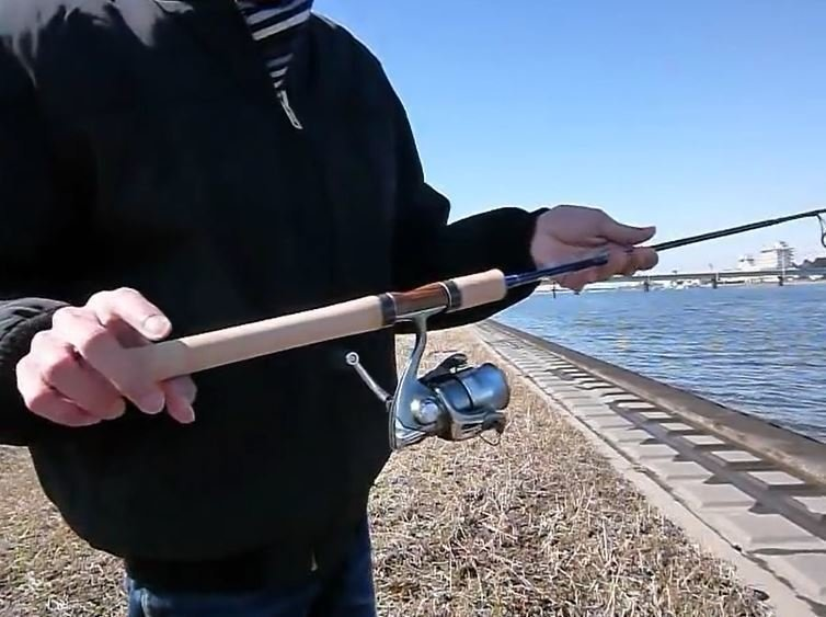 スピニングリール 釣り竿 ロッド 写真