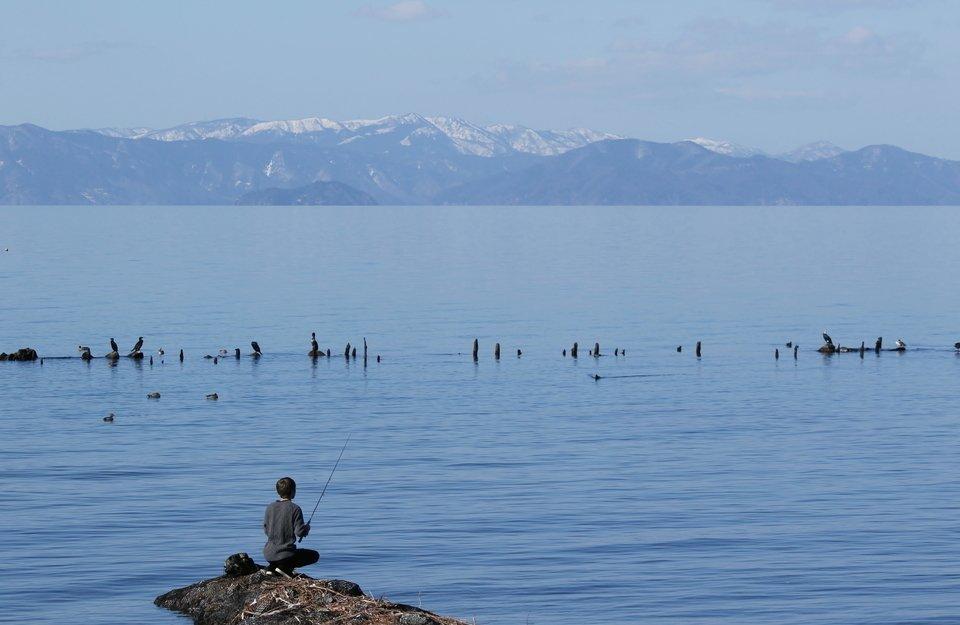 琵琶湖 釣り人 写真