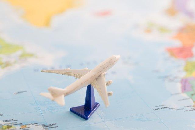 海外 飛行機 リゾート