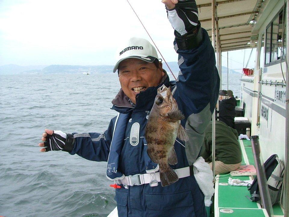 メバル 釣り人 船 写真