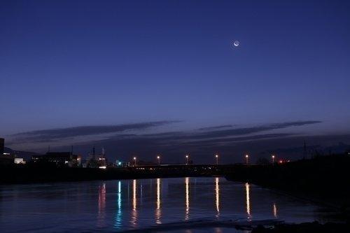 夜景 夜空 月 写真