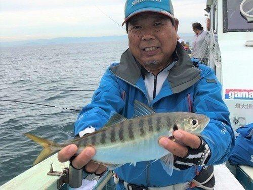 マアジ 釣り人 釣り船 釣り竿 写真