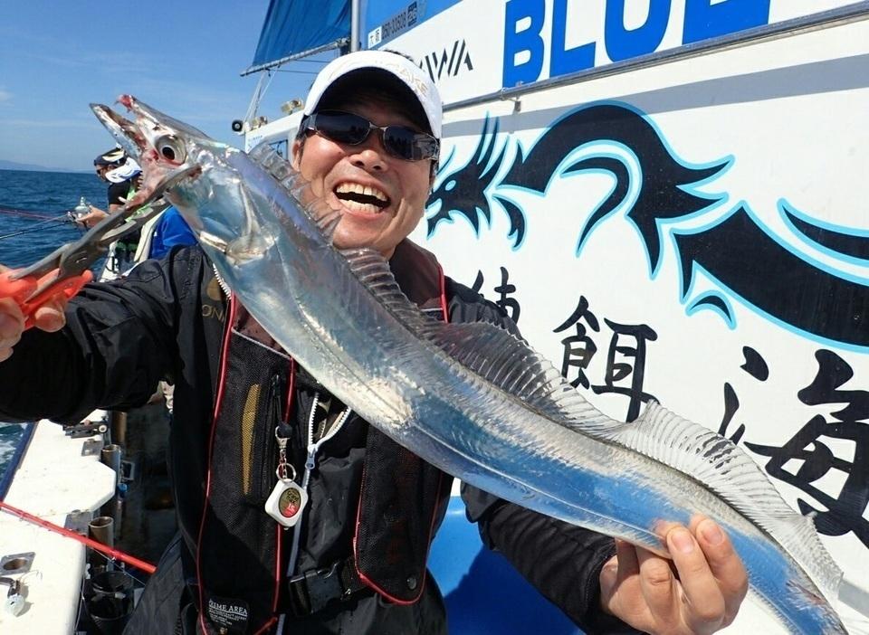 タチウオ 釣り人 写真