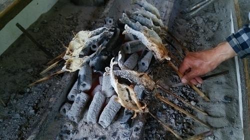 魚 串 炭 手 写真