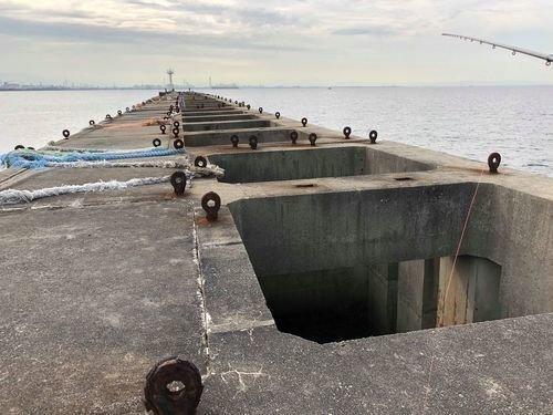 波止場 海 空 釣り竿 写真