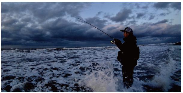 ロッド 釣り人 サーフ 写真