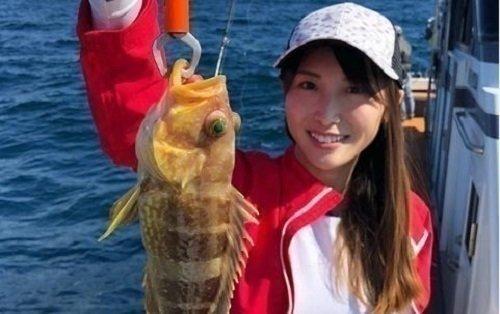 松尾智佳子さん 女性 釣りガール アオハタ