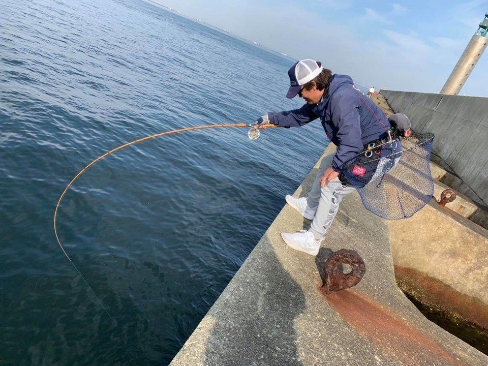 スリット 釣り人 写真