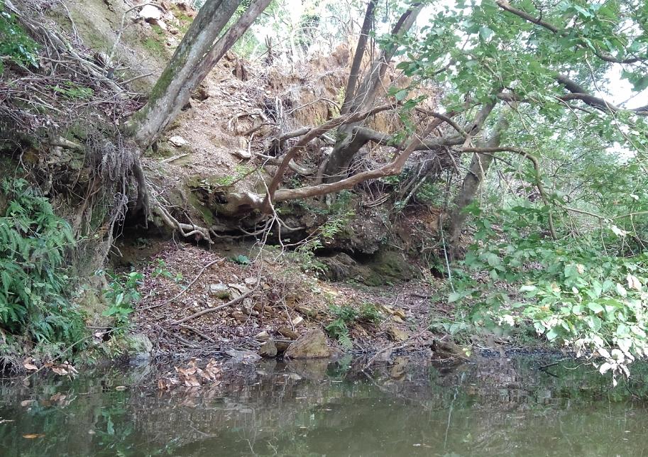 崖 水面 写真