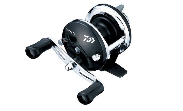コロネットIIは2020年新発売の穴釣りやワカサギ釣りに適した両軸リール!