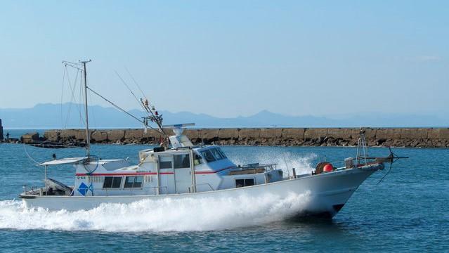 釣り船の画像